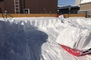駐車場除雪作業中