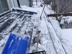 雪下ろし後の屋根
