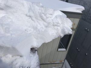 雪庇除去中