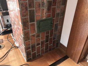 集合煙突の掃除口