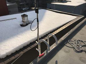 屋上とアンテナ