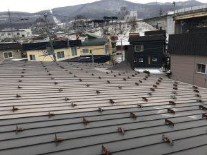 屋根の上 雪止め