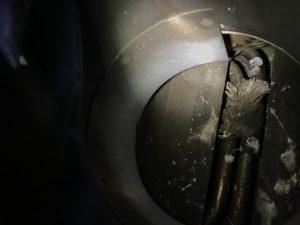 奥に隠れるスズメを発見