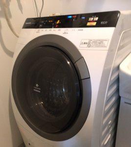 重さ80キロ近いドラム洗濯機は手強い