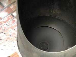 煤は薪ストーブ側に落とす