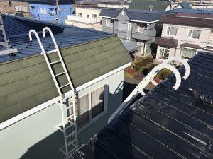 屋上に登るハシゴ あると無いで大違い