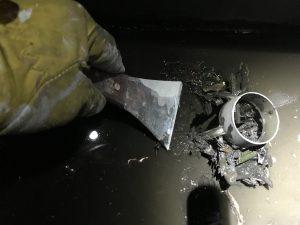 排水の中に落とさないように掃除